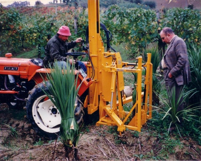 tree spade tractor fiat