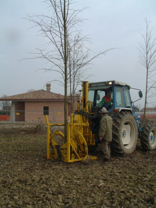 tree spade tractor ford